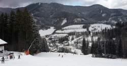Beriete rodinu na lyžovačku do zahraničia? Nezabudnite si pribaliť 4ku