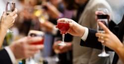 Neprežeňte to cez sviatky s alkoholom!
