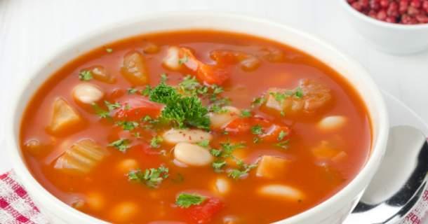 Talianska fazuľová polievka