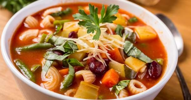 Minestrone – hustá polievka, ktorá zasýti