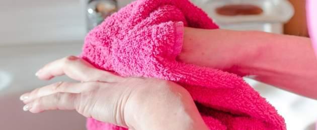 Utieranie rúk