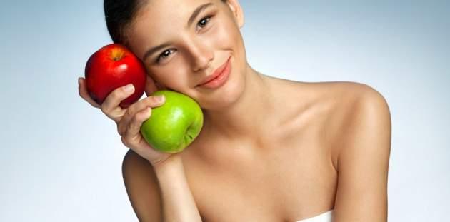 Žena s ovocím