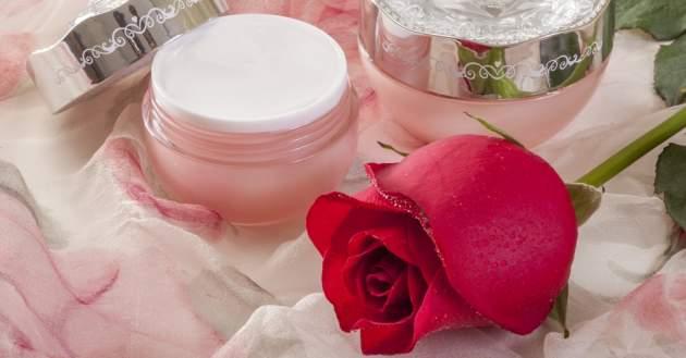 Ruža a krém
