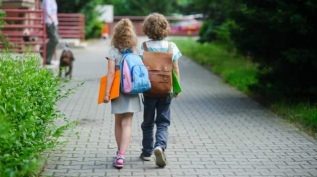 Deti idú do školy