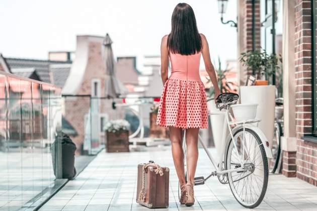 Žena s bicyklom