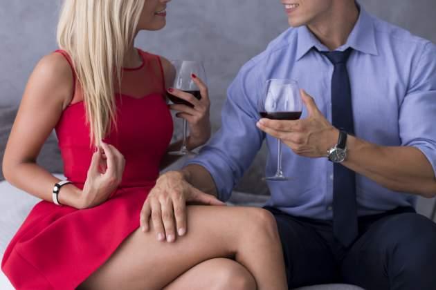 Pár s vínom