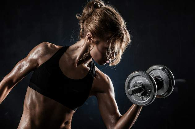 Žena a svaly