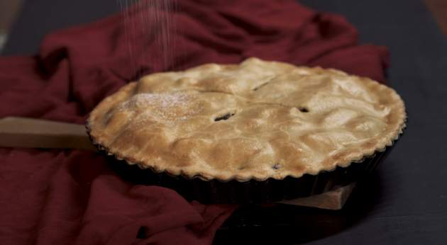 Videorecept: makový koláč s hruškami a jablkami