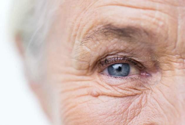 Laserová operácia očí vo vyššom veku