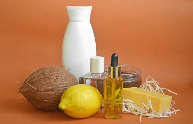 Citrónová šťava s kokosovým olejom