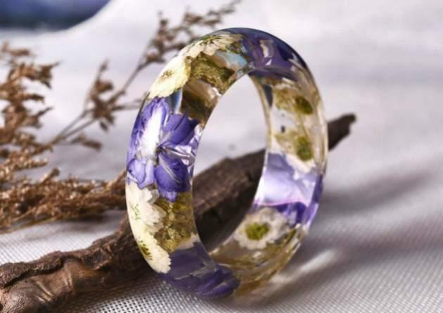 Šperky so živými kvetmi