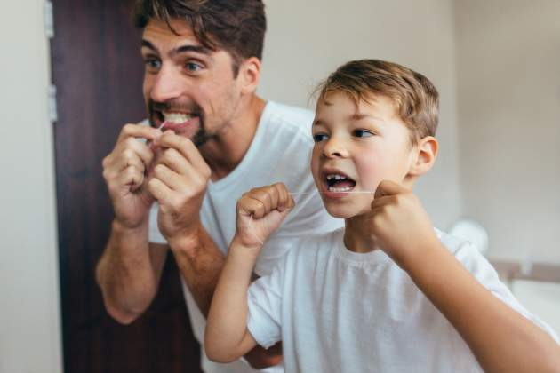 Len čistenie zubnou kefkou nestačí
