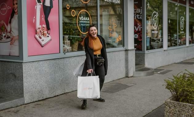 Novootvorená predajňa a referenčné centrum na Americkom námestí 1 v Bratislave