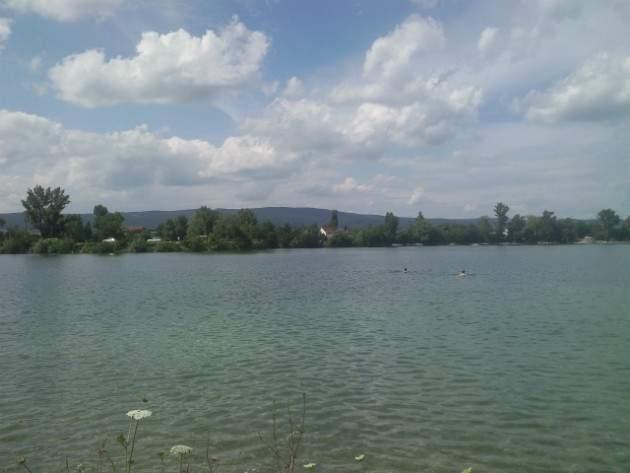 Vajnorské jazerá