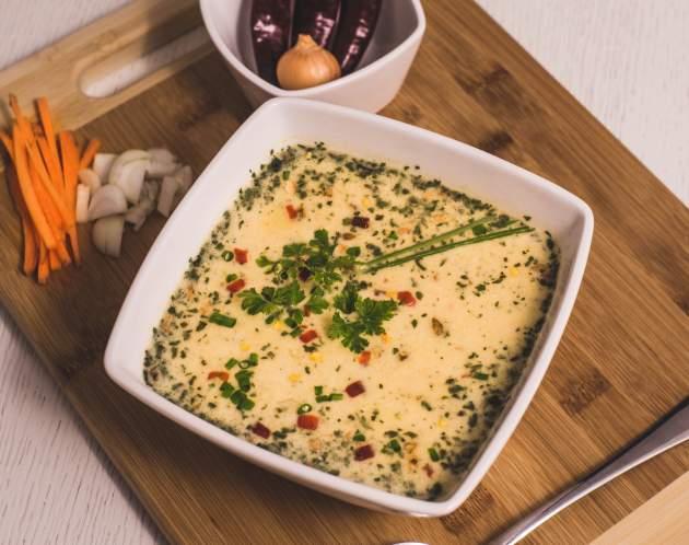 Thajská polievks s krevetami a krutónmi