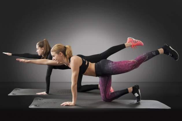 cvičenie proti osteoporóze - Vzpor kľačmo so zanožením