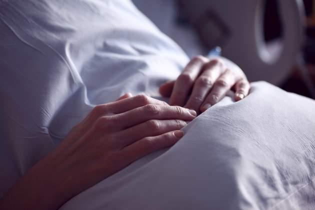 pacient s rakovinou hrubého čreva v nemocnici