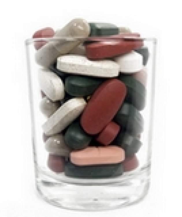 Tabletky v pohári