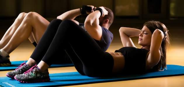 Aké sú hlavné zásady tvarovania brušných svalov?
