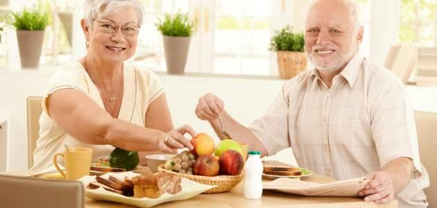 Patríte medzi seniorov? Pozrite sa, ako by mal vyzerať váš jedálniček.