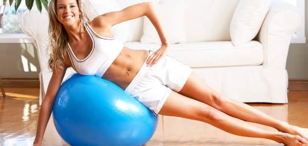 Najlepšie cviky s vlastnou váhou, ktoré zvládnete aj doma