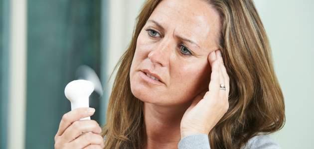 Prečo sa v menopauze oplatí dopĺňať ženské pohlavné hormóny?