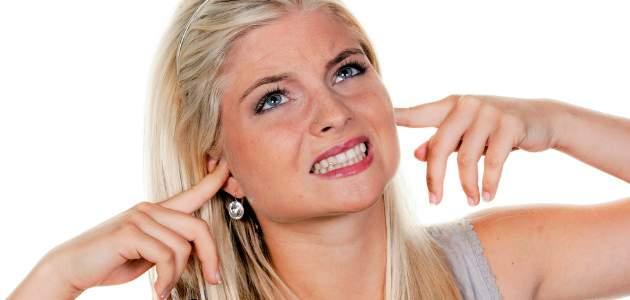 Nepríjemný spoločník tinitus: čo všetko sa skrýva za hučaním v ušiach?