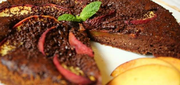 Čokoládové brownie s broskyňami (bez múky)