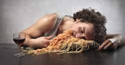 Čo sa deje so žalúdkom, keď toho zjeme veľa