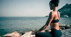Stres sa usádza na chrbtici, pomôže joga