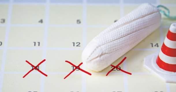 Chystáte sa na dovolenku a potrebujete oddialiť menštruáciu? Poradíme vám