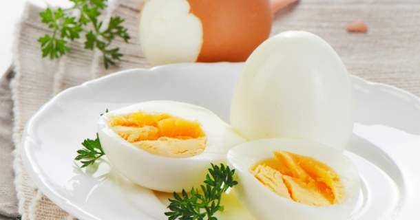 Takto pripravíte ideálne vajíčka natvrdo, plus 7 jednoduchých receptov