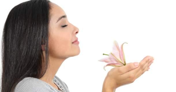 Ženy cítia pachy lepšie ako muži, najviac počas ovulácie