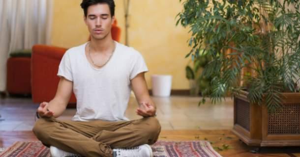 Meditácia z vás spraví lepšieho človeka. Takto začnete.