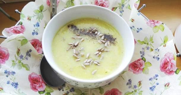 Netradičná cuketová polievka - tajomstvo je bryndza