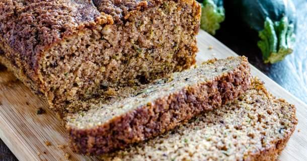 Cuketový chlebík s cheddarom
