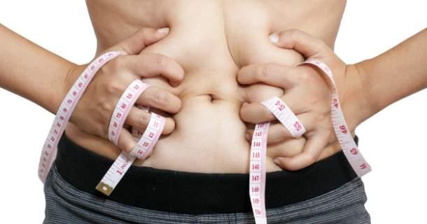5 vecí, ktoré majú vplyv na ukladanie brušného tuku