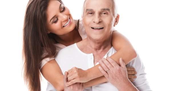 """Prečo si vyberáme mladších/starších partnerov? Má to šancu """"prežiť""""?"""