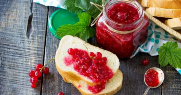 Pripravte si domáci ríbezľový džem