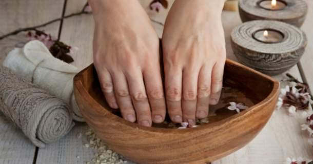 5 domácich kúr proti lámaniu nechtov