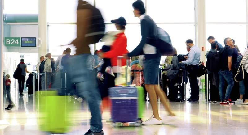 Prísnejšie kontroly na letoch z Talianska do Bratislavy kvôli koronavírusu! Hlavný hygienik SR Ján Mikas reaguje na aktuálnu situáciu v Taliansku